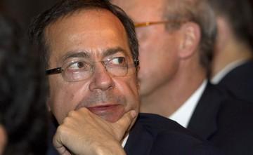 Ο John Paulson εξακολουθεί να αγοράζει ελληνικές τράπεζες