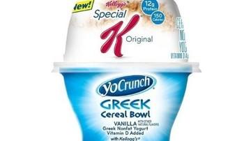 Το greek yogurt γκρεμίζει τα corn flakes της Kellogg's