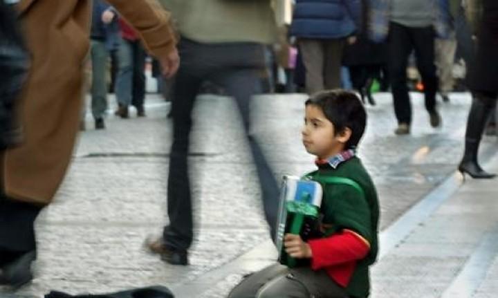 ΣτΠ: Σχεδόν 40% των παιδιών απειλούνται από φτώχεια και κοινωνικό αποκλεισμό