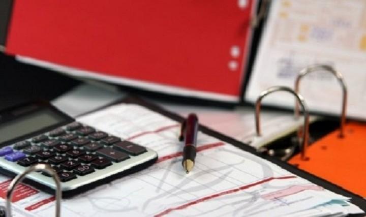 Φόροι «φωτιά» για μισθωτούς με μπλοκάκι και όσους εισπράττουν ενοίκια