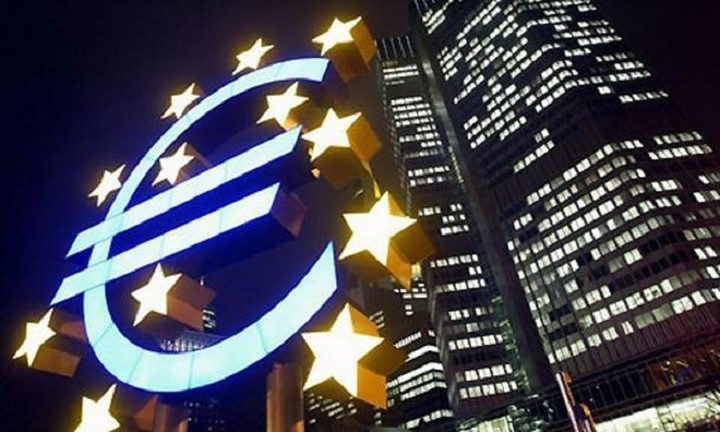 Reuters: Σενάρια της ΕΚΤ να μειώσει το ρίσκο αγοράς ομολόγων στους αδύναμους του ευρώ