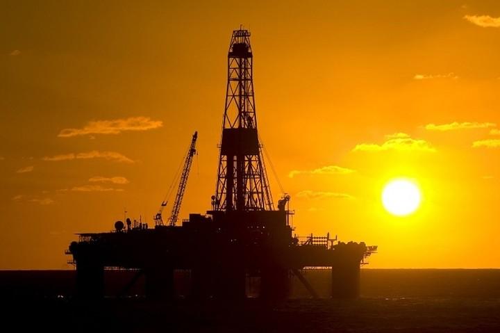 DW: Γεωπολιτικοί ανταγωνισμοί με όπλο το πετρέλαιο