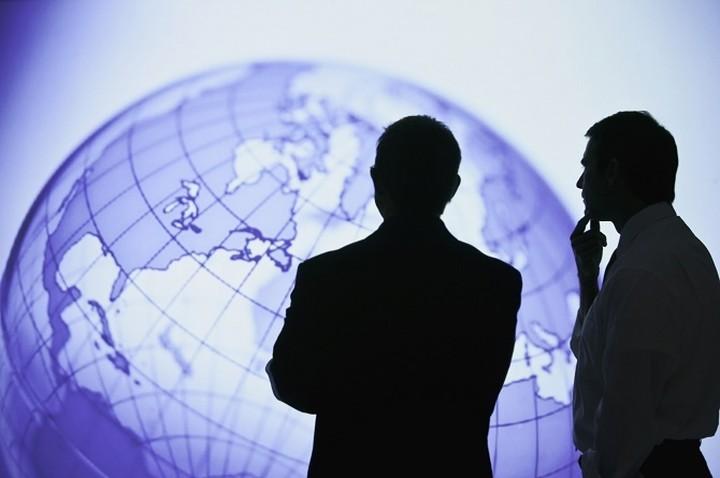 Tι φέρνει το 2015 στην παγκόσμια οικονομία