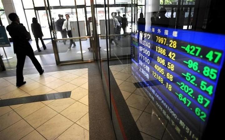 Περιορίζονται οι απώλειες μετά το «κραχ» στο Χρηματιστήριο Αθηνών