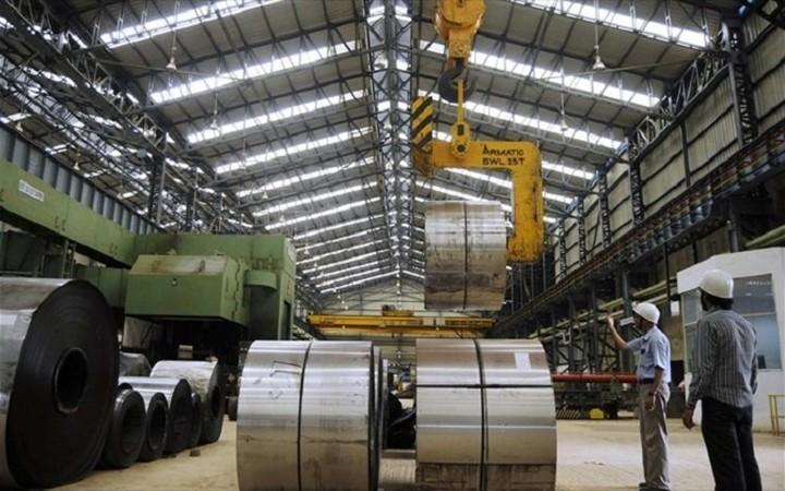 Μείωση 2,3% στις τιμές παραγωγού στη βιομηχανία