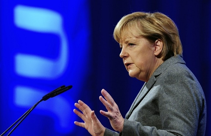 Μέρκελ: Δεν είμαστε υποχρεωμένοι να διασώσουμε την Ελλάδα - Δεν είναι πλέον σημαντική για το ευρώ