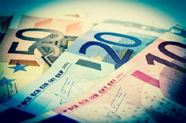 Die Welt: Οι Έλληνες απέσυραν 2,5 δισ. καταθέσεις μόνο το Δεκέμβριο