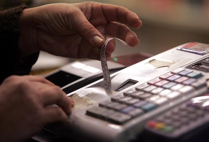 Τι αλλάζει με τις αποδείξεις και τι θα ισχύσει για τις φετινές φορολογικές δηλώσεις