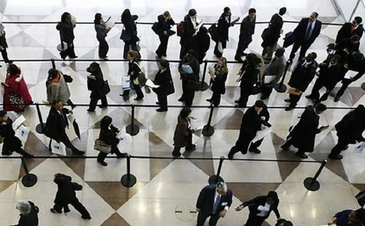 Απαγορεύτηκαν οι προσλήψεις στο Δημόσιο λόγω εκλογών