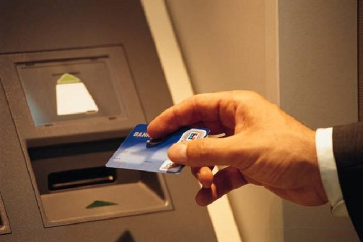 Βank Run: Η «αναβίωση» του φόβου, οι τραπεζικές αντοχές και τι πραγματικά συμβαίνει