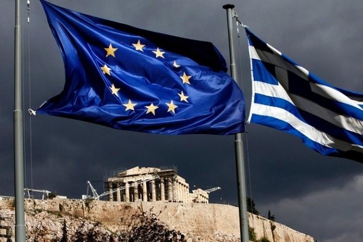 Δημοσίευμα-ΣΟΚ: Το Grexit θα φέρει χρεοκοπία και φτώχεια στην χώρα, γράφει η El Pais