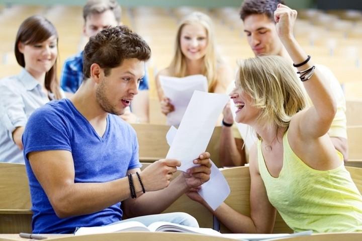 Οι προϋποθέσεις και τα δικαιολογητικά για το φοιτητικό επίδομα των 1.000 ευρώ