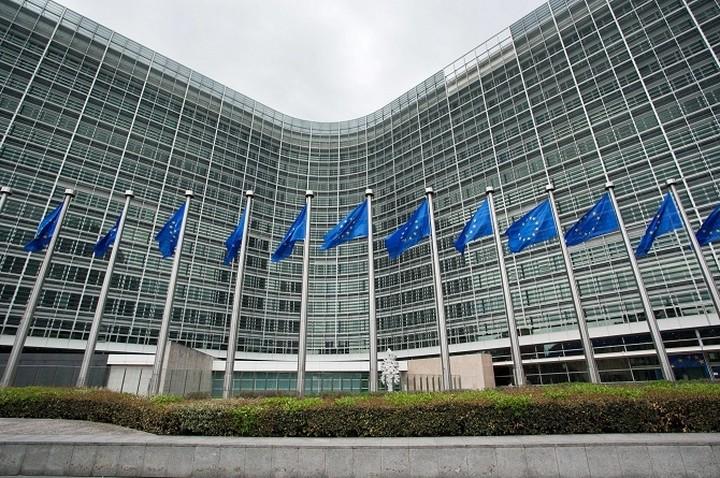 Κομισιόν: «Η συμμετοχή στην ευρωζώνη είναι αμετάκλητη - Το ευρώ είναι εδώ για να παραμείνει»