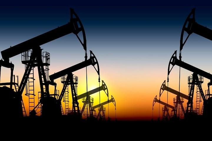 Κάτω από τα 50 δολάρια το βαρέλι η τιμή του πετρελαίου Brent