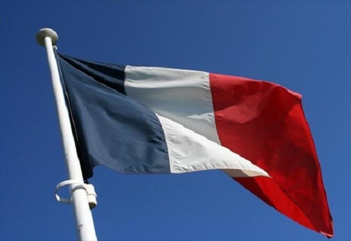 Le Figaro: «Ο κάθε Γάλλος θα πληρώσει 735 ευρώ για να διαγραφεί το ελληνικό χρέος»