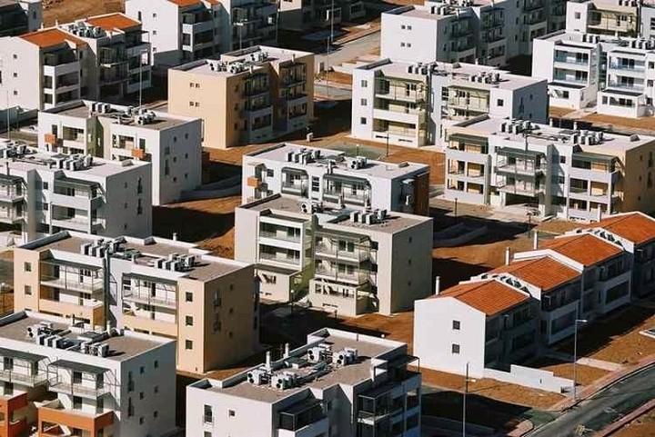ΟΑΕΔ: Δωρεάν σπίτια με κλήρωση σε 13 περιοχές της χώρας