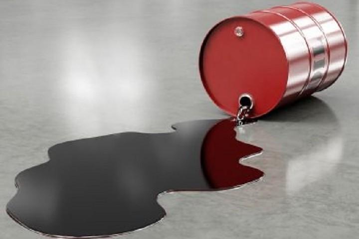 Αμείωτη πτώση στην τιμή του πετρελαίου μπρεντ
