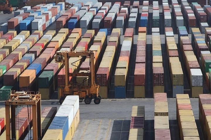 Ελληνικές Εξαγωγές: Οι κλάδοι που ευνοούνται από την πτώση του ευρώ