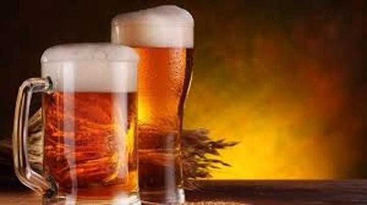 Πέφτει και ο τζίρος της μπύρας - Πόσα ξοδεύουμε ετησίως και σε ποιους