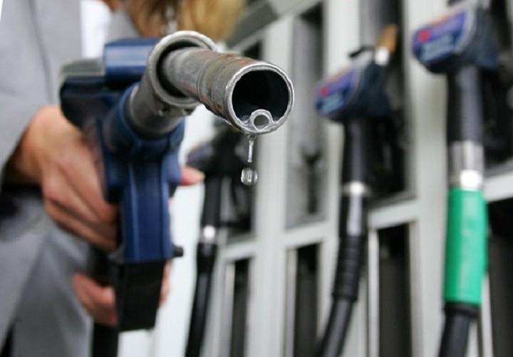 Βενζίνη με 1 ευρώ και πετρέλαιο θέρμανσης με 80 λεπτά