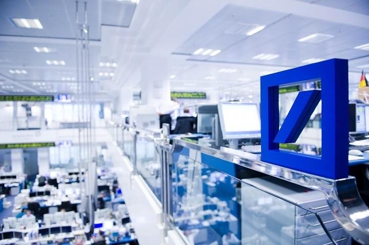 Deutsche Bank: Ποσοτική χαλάρωση σημαίνει σταθερότητα αλλά και πολύ χαμηλά επιτόκια