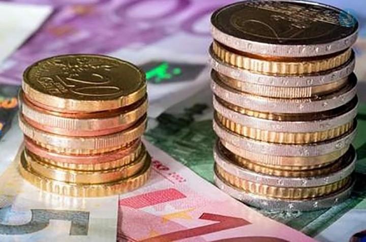 ΕΛΣΤΑΤ: Αυξήθηκε το διαθέσιμο εισόδημα των νοικοκυριών
