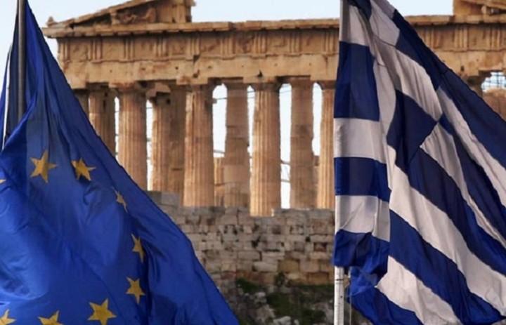 FT: Ελάφρυνση χρέους και μεταρρυθμίσεις συνιστούν για την Ελλάδα κορυφαίοι οικονομολόγοι