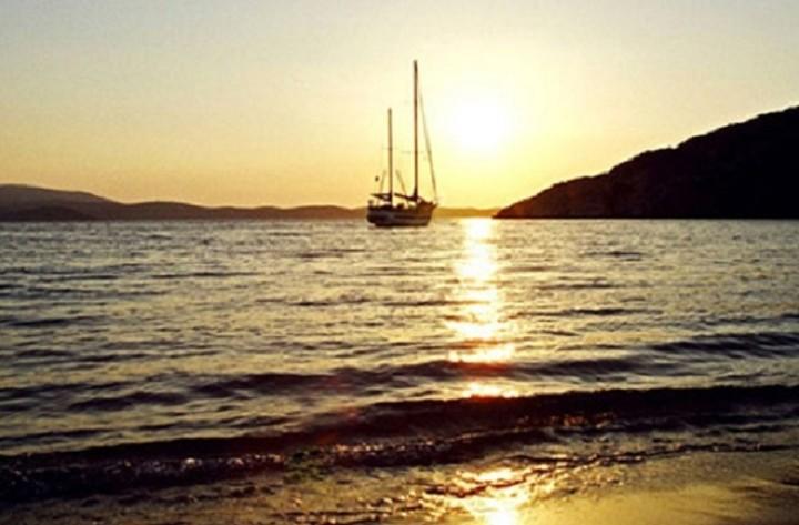 Μαζικές πωλήσεις τους επόμενους μήνες: Ποια ελληνικά νησιά βγαίνουν στο σφυρί