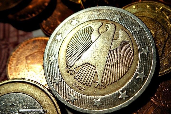 Πτώση του ευρώ στις αγορές Αυστραλίας - Ασίας μετά τα ελληνικά exit polls
