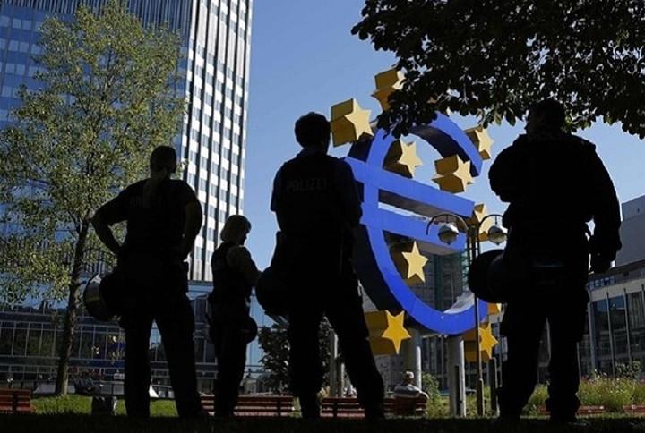 Μπ. Κερέ: Δεν θα συμμετέχει η ΕΚΤ σε οποιαδήποτε ελάφρυνση του ελληνικού χρέους