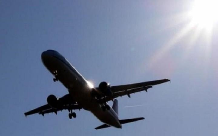 Το νέο τέλος που θα φουσκώσει τις τιμές των αεροπορικών εισιτηρίων