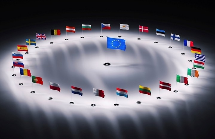 Μελέτη του IW: Πώς ένα κράτος φεύγει από το ευρώ χωρίς να φύγει από την ευρωζώνη