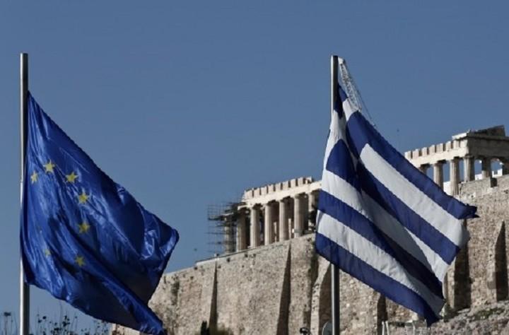 Μείωση του ελληνικού χρέους στο μισό ζητά πρώην αξιωματούχος του ΔΝΤ