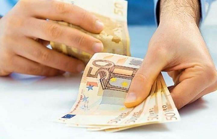 Κανένα πρόβλημα με συντάξεις κι επιδόματα διαβεβαιώνει η ελληνική κυβέρνηση