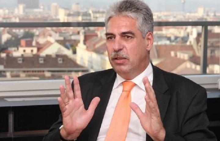 Επικριτικός ο Αυστριακός υπουργός οικονομικών απέναντι σε Βαρουφάκη