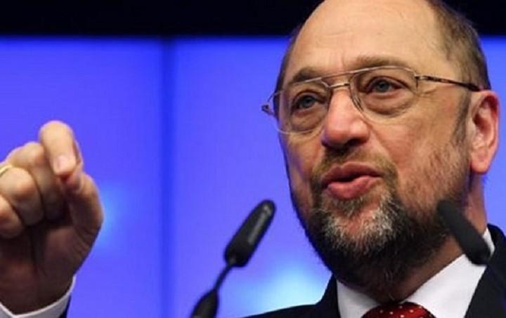 Σουλτς: Ανεύθυνη η στάση της Ελλάδας να μην συνεργαστεί με την τρόικα