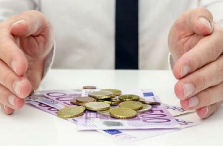 Σταδιακή η αύξηση του βασικού μισθού με μέτρα στήριξης των επιχειρήσεων