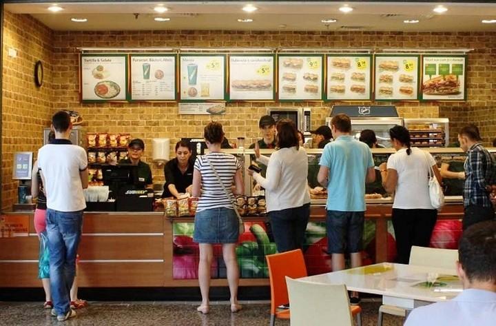 Μείωση στις πωλήσεις των αλυσίδων fast food