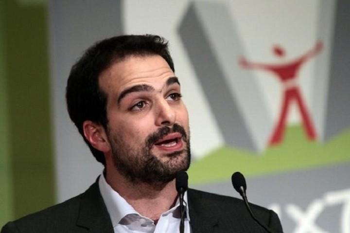 Ο Γαβριήλ Σακελλαρίδης απαντά στην ανακοίνωση της ΝΔ για το ελληνικό χρέος