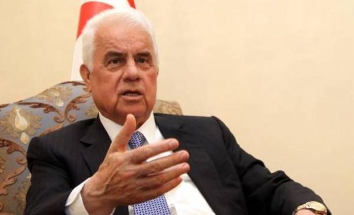 Ο Ντερβίς Έρογλου ρίχνει βέλη στη νέα κυβέρνηση