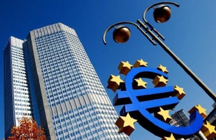Bloomberg: Περιορισμένες οι επιπτώσεις στις ελληνικές τράπεζες έχει η απόφαση της ΕΚΤ