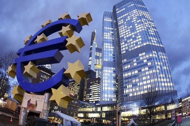 Διαιρεμένη η ΕΚΤ στην απόφαση για την Ελλάδα