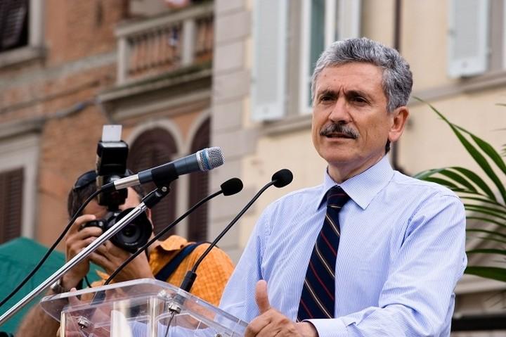 Η Ευρώπη πρέπει να βοηθήσει τον Τσίπρα τονίζει πρώην Ιταλός πρωθυπουργός