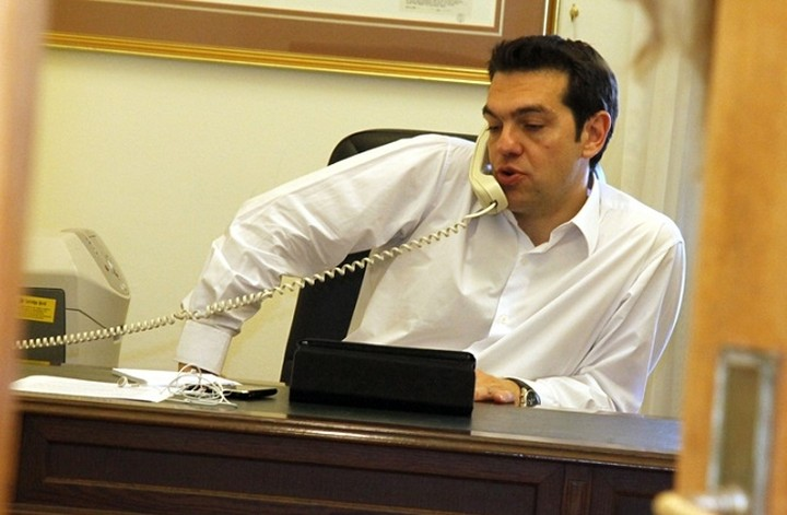 """""""Εποικοδομητική και σε καλό κλίμα"""" η τηλεφωνική επικοινωνία Γιούνκερ-Τσίπρα"""