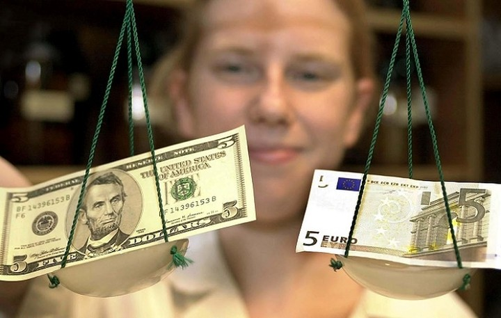 MarketWatch: «Η Ελλάδα να το γυρίσει σε....δολάριο»