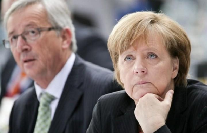 Spiegel: «Πόλεμος» ανάμεσα σε Μέρκελ και Γιούνκερ για την Ελλάδα