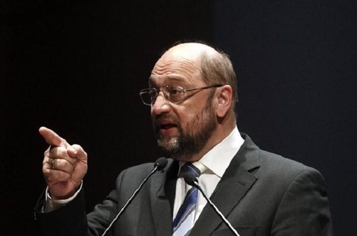 Απέρριψε ο Σουλτς πρόταση του Μανώλη Γλέζου για τις γερμανικές αποζημιώσεις
