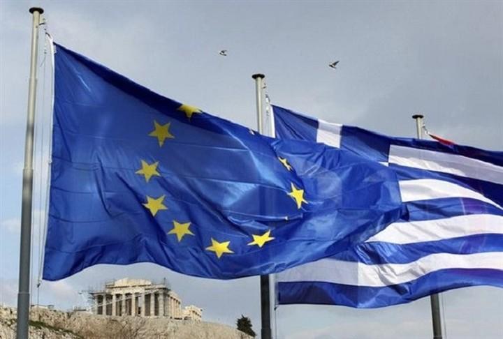 Με το βλέμμα στραμμένο στην Ελλάδα αρχίζει το σημερινό Eurogroup