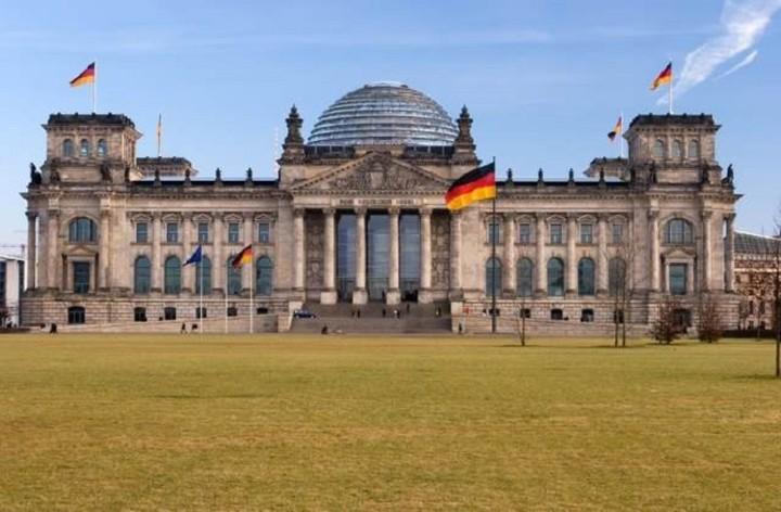 DW: Τα σχέδια της Ελλάδας και κοινή λύση θέλει το Βερολίνο