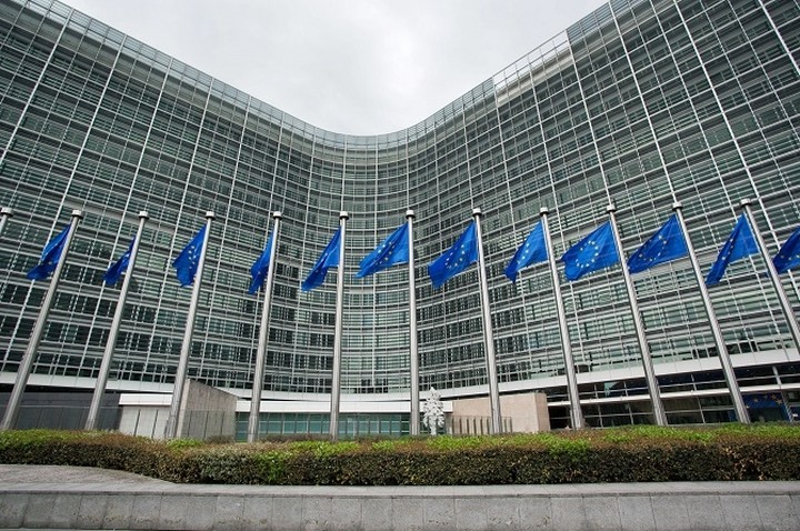 Στο μικροσκόπιο της Κομισιόν η εξωδικαστική συμφωνία Ελλάδας - Siemens